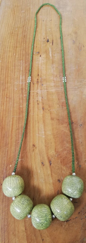 Collier long de style hippie chic - Perles vertes en bois et perles en argent 925 - Bahia Del Sol.