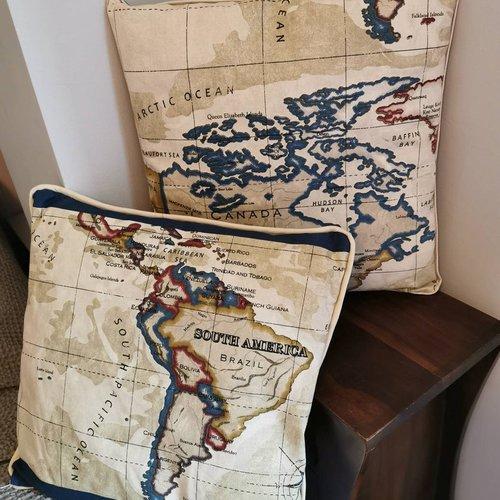 Paire de coussins beige et bleu, carte du monde, coussins déhoussables assortis, ensemble déco
