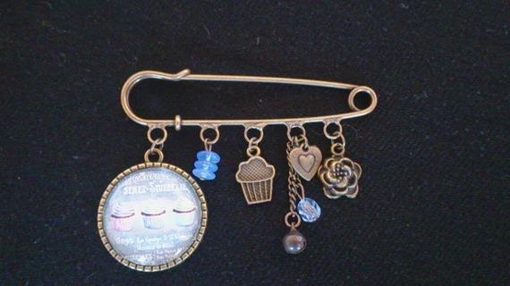 Broche épingle bronze Blue Cupcakes