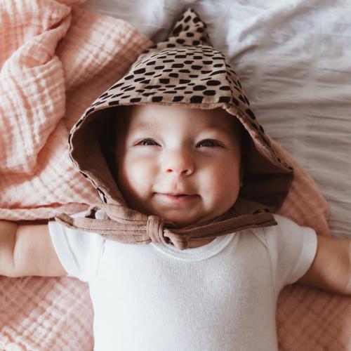 Bonnet beguin d'ete pour bebe ou petit enfant - couleur sable