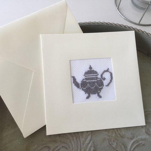 Carte double avec enveloppe théière