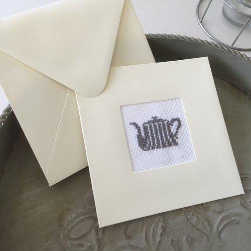 Carte double avec enveloppe motif théière