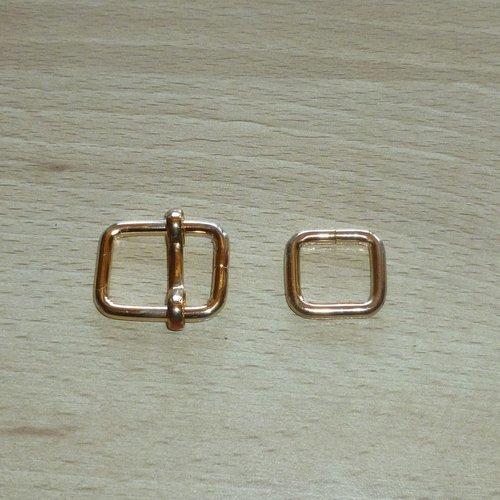 2 boucles en métal doré