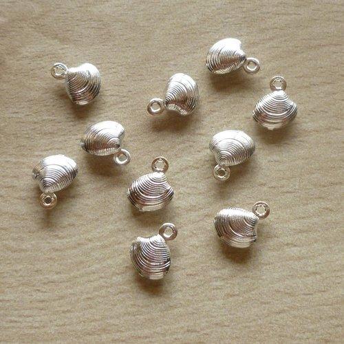 10 pendentifs coquillages argenté 10mm
