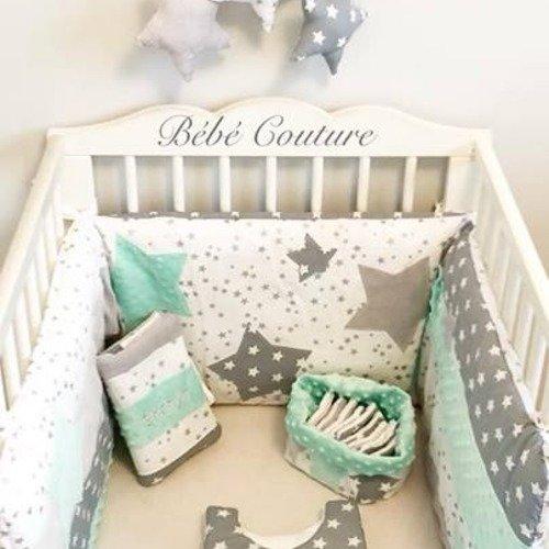 Chambre mixte garçon fille coordonnées vert d\'eau blanc gris étoiles  création bébé couture