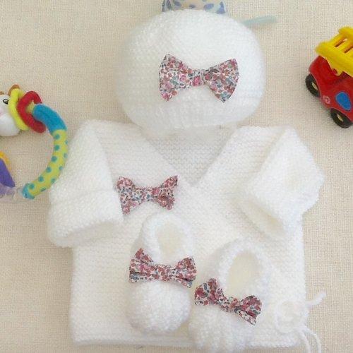 Ensemble bébé brassière bonnet chaussons, tricot, laine, layette, cadeau naissance, liberty