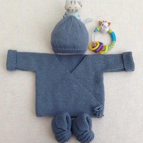 Ensemble brassière bonnet chaussons, tricot bébé, cadeau naissance, cérémonie, baptême, maternité