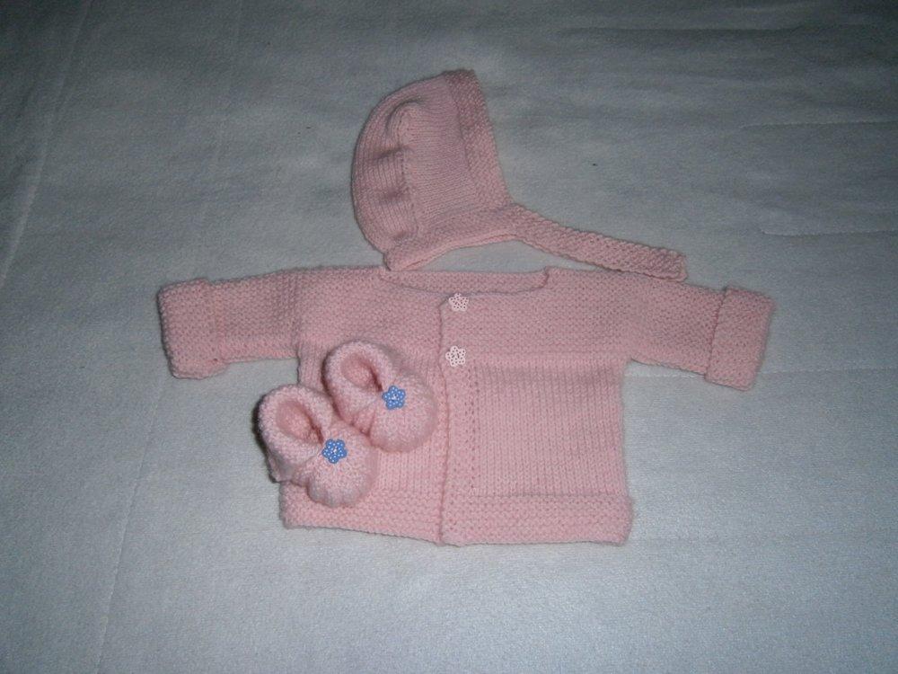 brassière bébé tricot laine layette 3 mois  béguin et chaussons rose