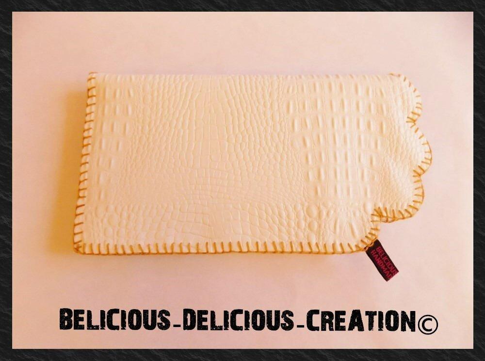Original Pochette !! CROCOBLANC !! en simili cuir Blanc avec motif crocodile T 30cm  x 16cm belicious-delicious-creation
