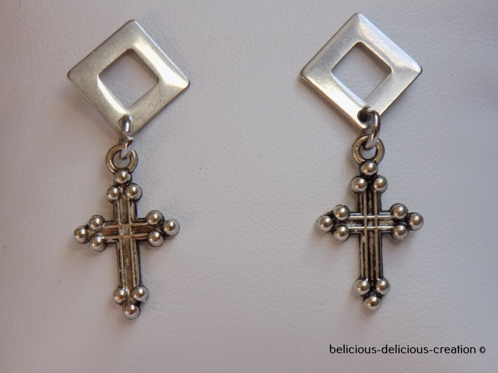 Original Boucles d'oreilles !! Diamond Cross !! en metal argente T: 3cm long belicious-delicious-creation