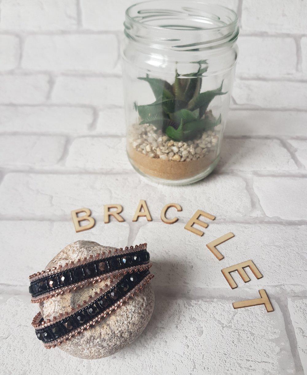 bracelet wrap, rocailles, facettes de bohème noir et cuivre