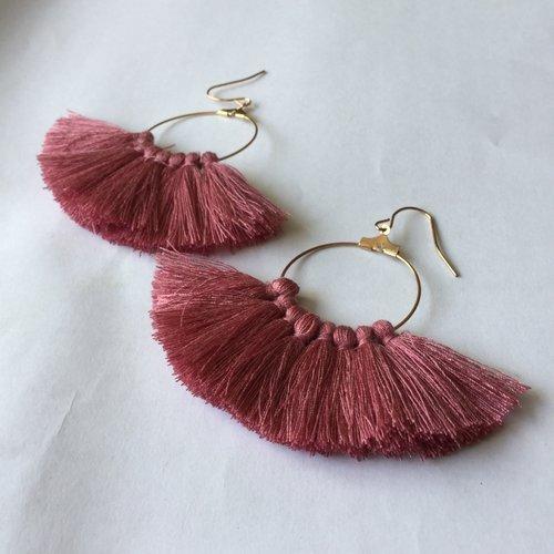 Boucles d'oreille à pompons, créoles, pompons rose ancien