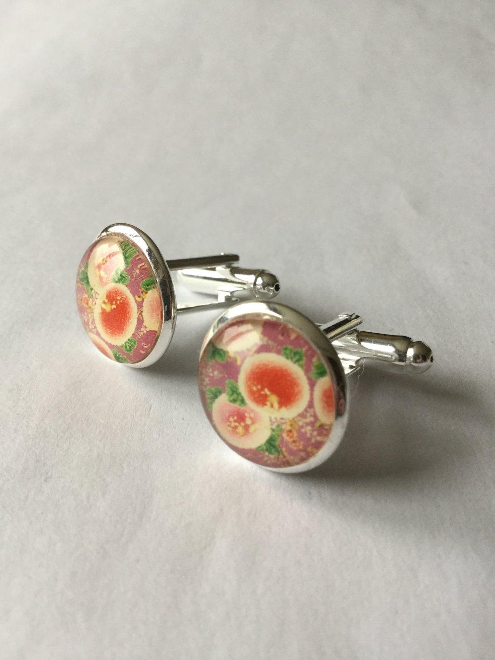 Boutons de manchette, motif fleuri, esprit japonais.