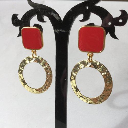 Boucles d'oreilles anneaux dorés, clous carrés