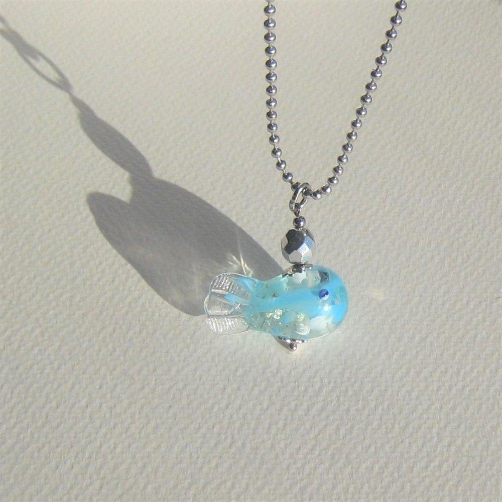 """Pendentif """"mon petit poisson bleu"""" verre filé murano verre tchèque argenté chaîne acier inoxydable"""