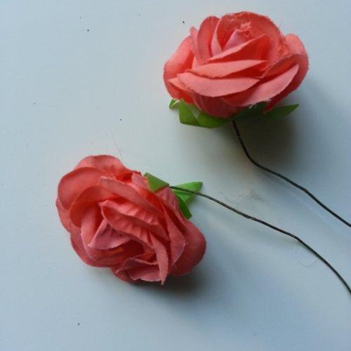 Lot de 2 fleurs en tissu  sur tige 30mm rose saumon