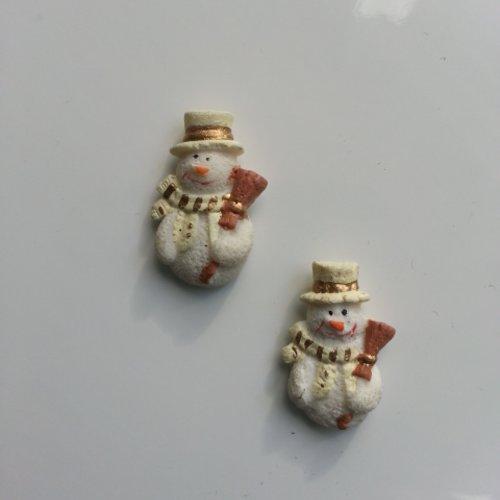 Lot de 2 embellissements  bonhome de neige ivoire  noel 25*15mm
