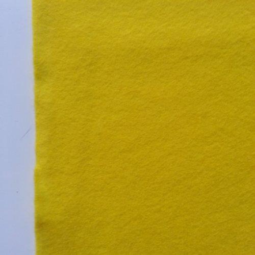 Feuille de feutrine souple jaune 20*29.5cm