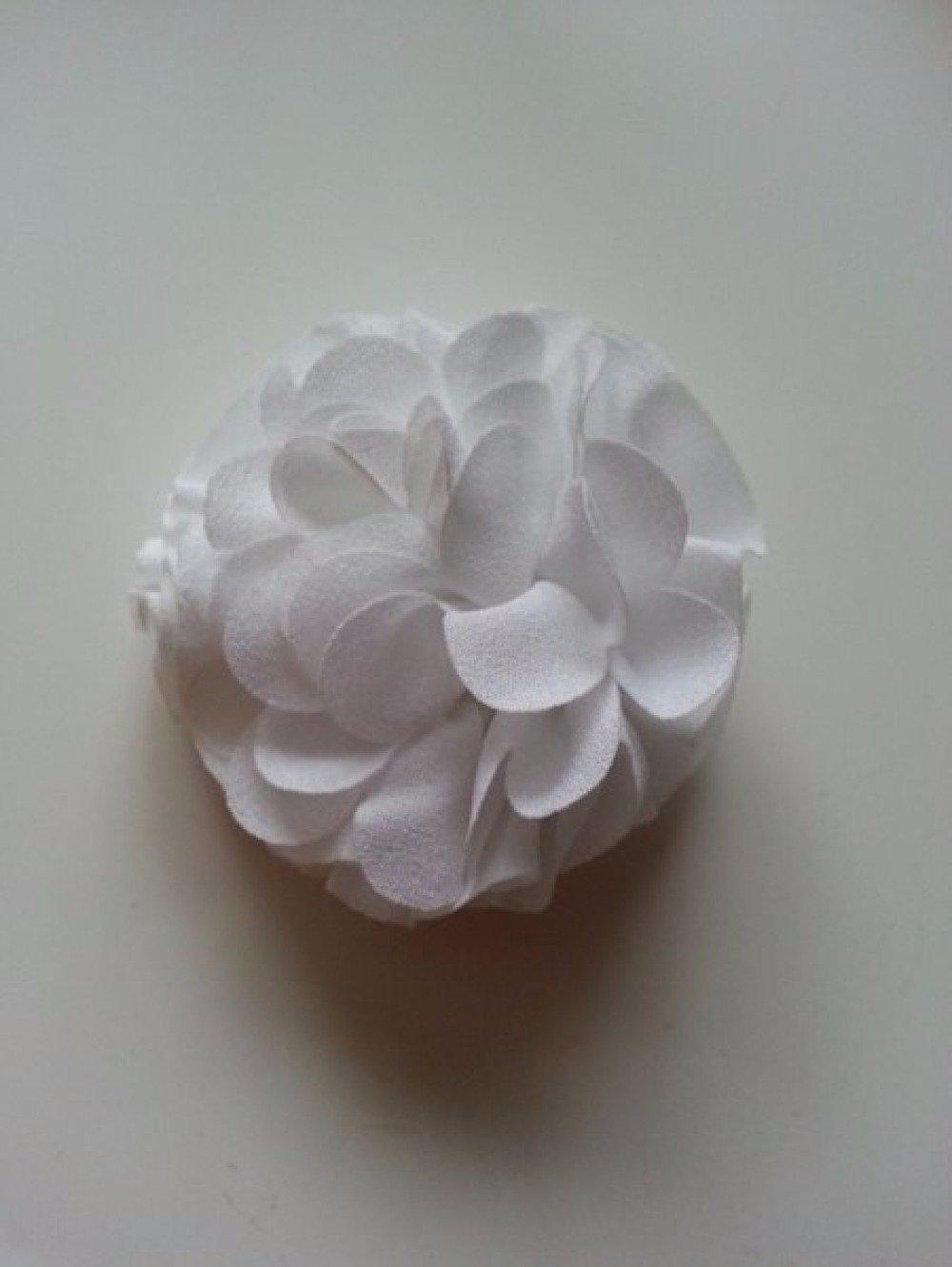 fleur  pompon blanc 70mm