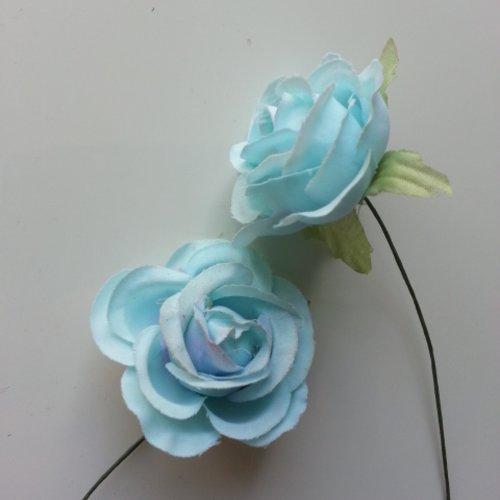 Lot de 2 fleurs en tissu  sur tige 30mm bleu