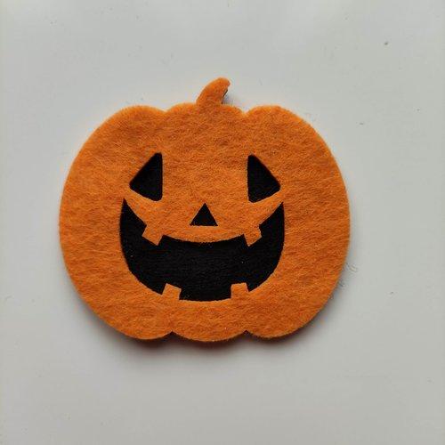 Citrouille halloween en feutrine orange et noir  55*50mm