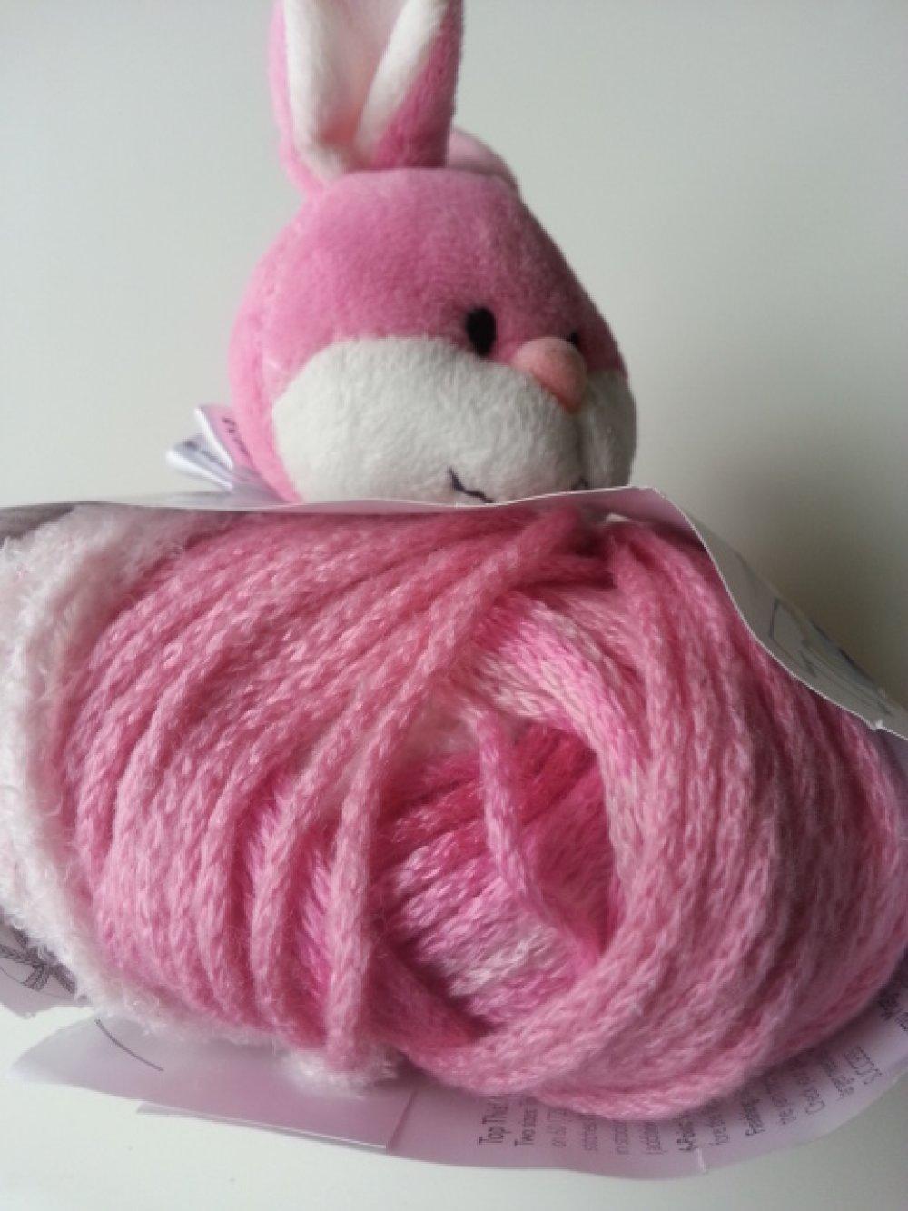 kit bonnet , doudou Top This de DMC lapin rose