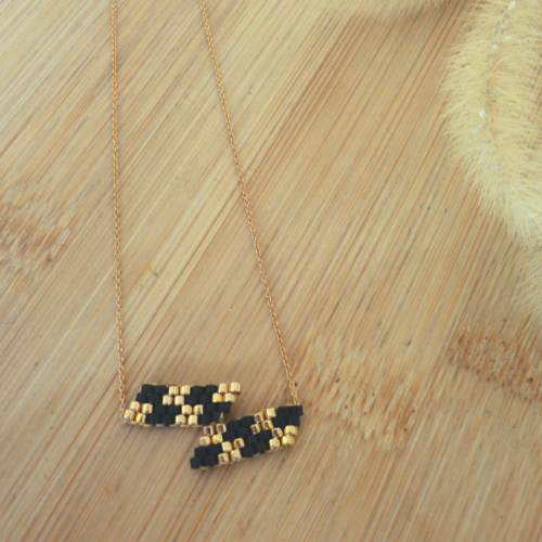Collier « chara» simple