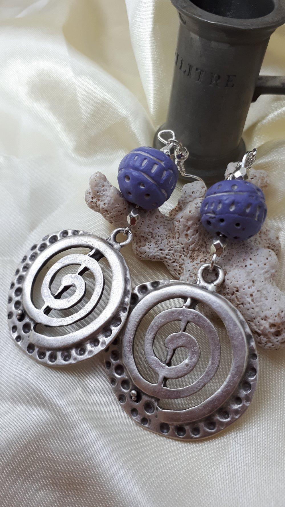 Boucles d'oreilles ethniques argent vieilli perle pate polymère