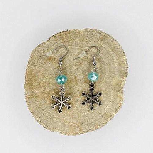 Boucles d'oreilles noël flocons de neige perles bleues
