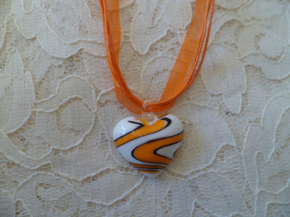 Collier en verre vague orange et blanc