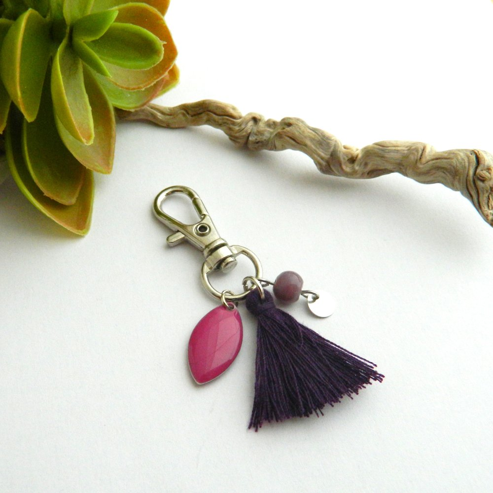 Bijou de sac, pompon violet