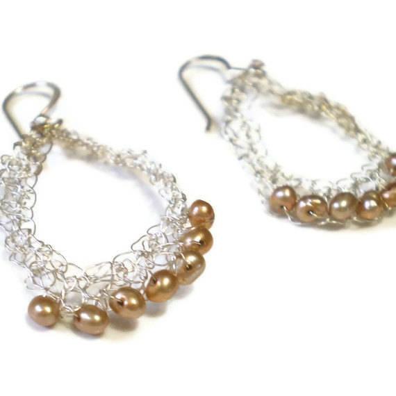 Boucles d'oreilles en fil d'argent et perles de culture