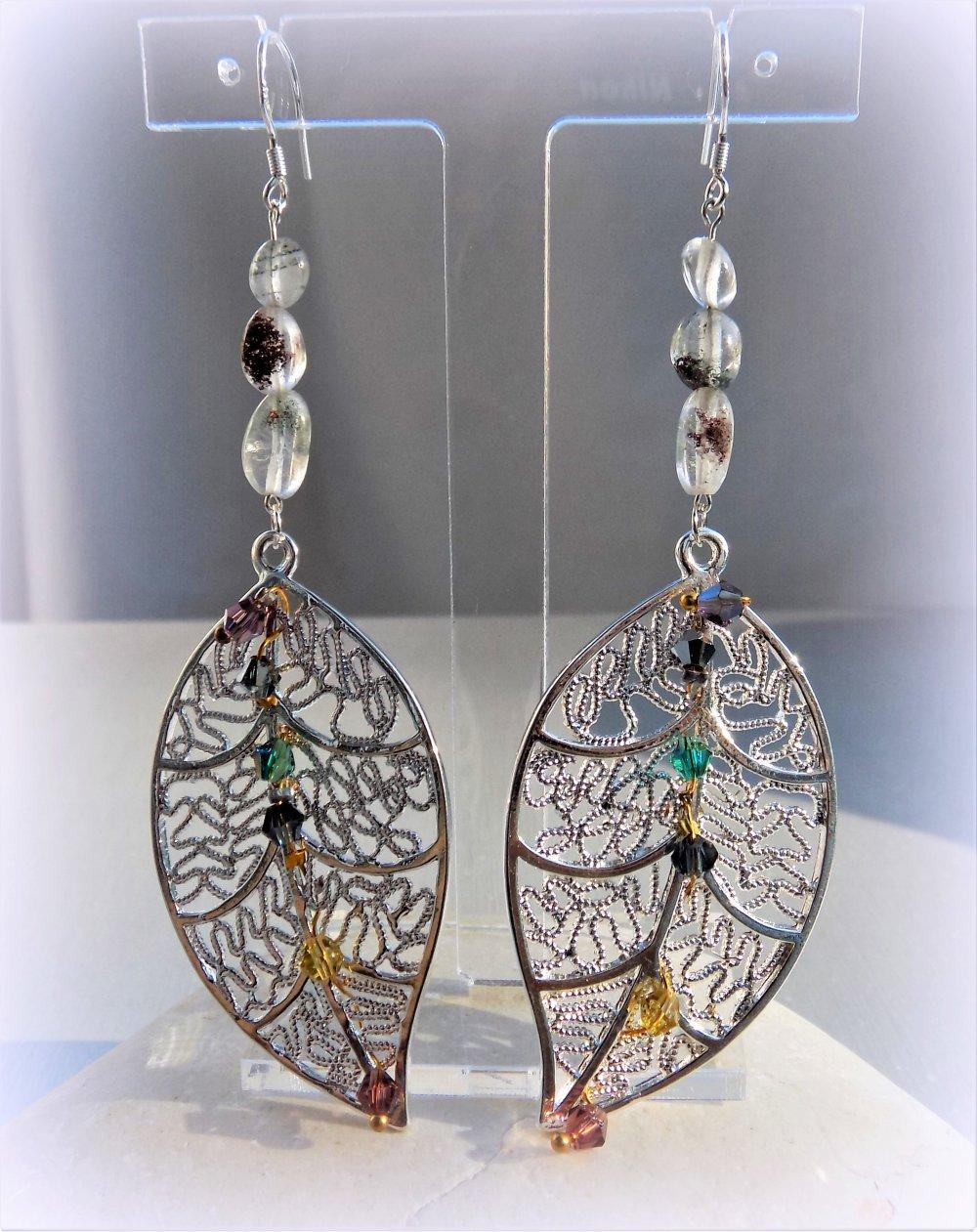 """Boucles d'oreille en Quartz fantôme (pierre fine), cristal swarovski sur """"feuille"""" filigrane - Argent 925."""