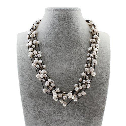 Collier perle eau douce blanche tissé avec fil de coton noir 51 cm