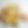 """Lot """"craquinette"""" de 9 grosses perles de papier ovales multicolores (avec dominante jaune) vernies façon """"triple gloss"""""""