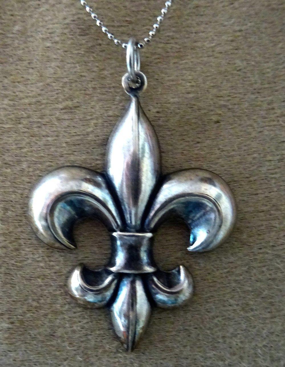 pendentif fleur de lys, médiéval, métal argenté