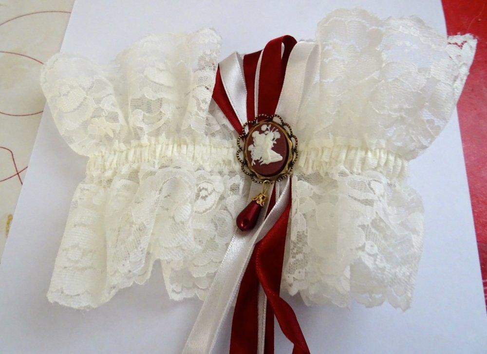 jarretière mariage ivoire et bordeaux camée fée