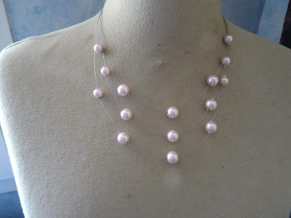 collier mariage, perles roses