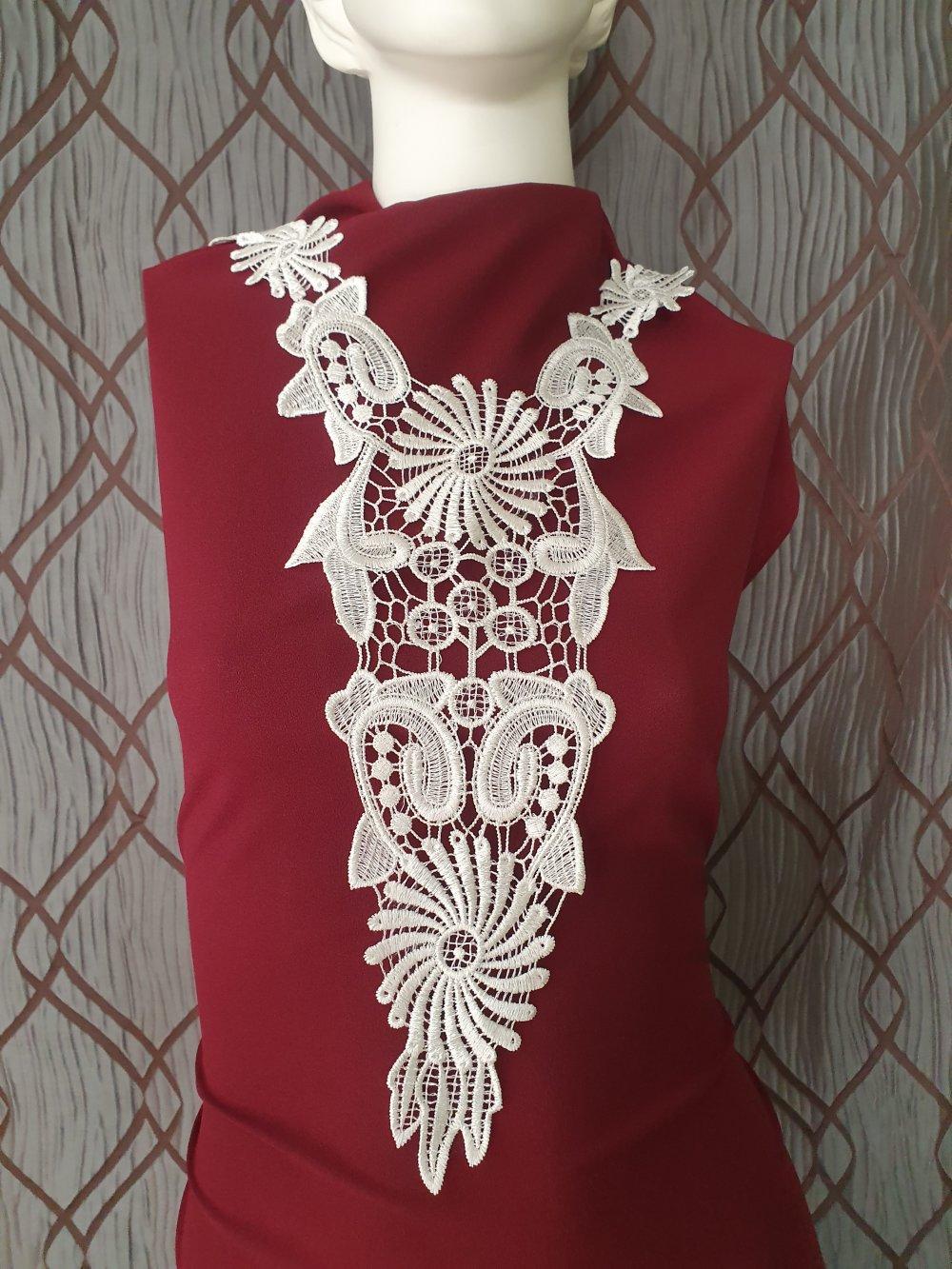 Plastron blanc guipure encolure coton enduit 53x18cm GPB9