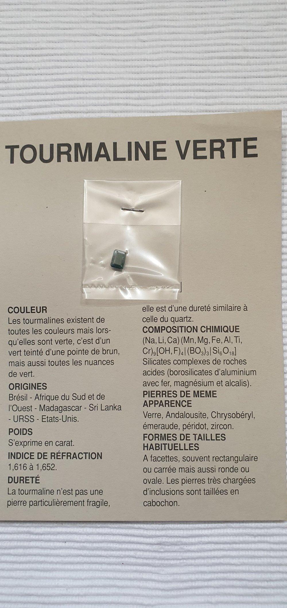 Pierre de gemme turquoise ovale 8x6.3mm