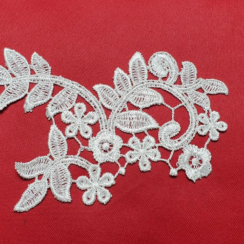 Applique fleur blanche guipure 16x14cm dentelle coton enduit ab064