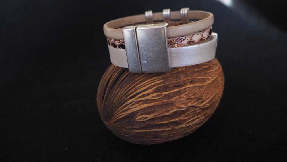 """Bracelet - Manchette cuir véritable et cristal Swarovski de la Collection """"Tropical"""""""