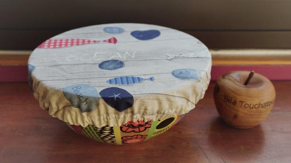 couvre plat à tarte, ou grand saladier, coton enduit, zéro déchet, motif océan