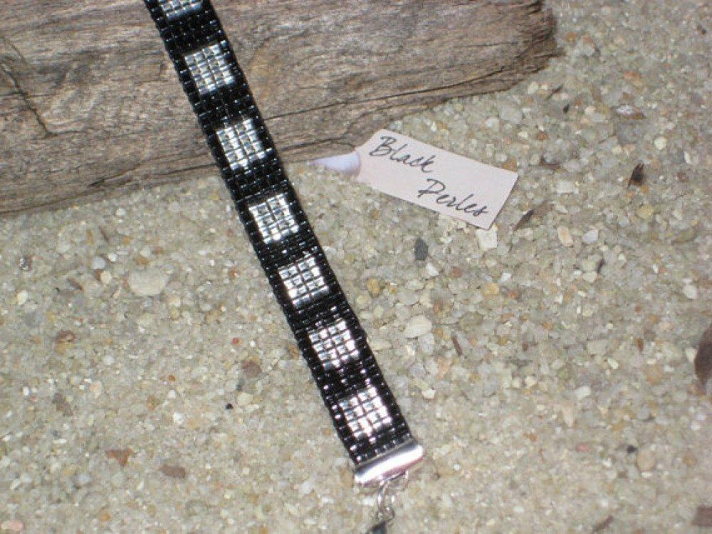Bracelet graphique carré Miyuki Délicas noir et argent