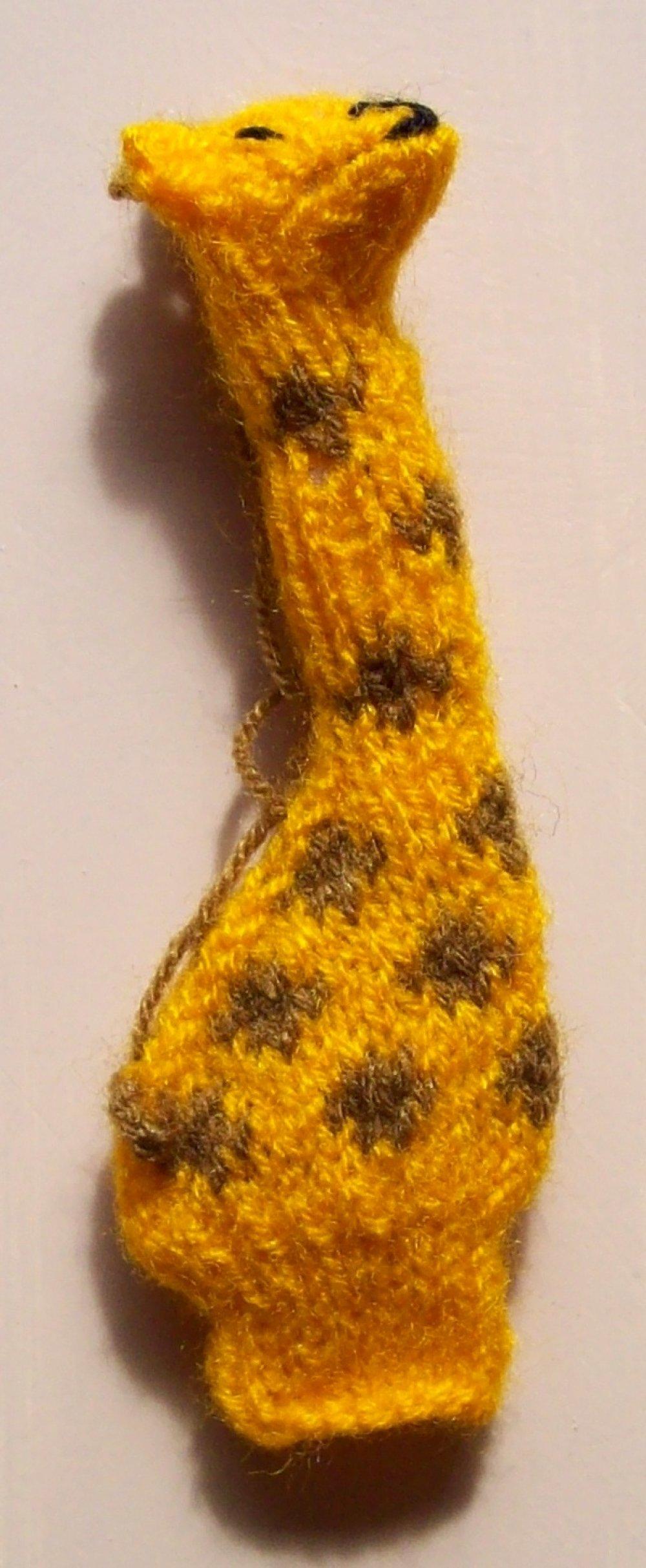 Marionnette de doigt GIRAFE Fait main / 12x4,5cm