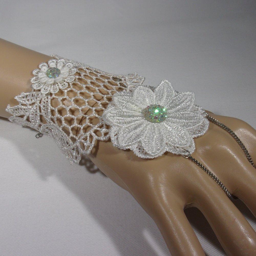 """bracelet bague en dentelle influence féerique """"lady fleur blanche"""""""