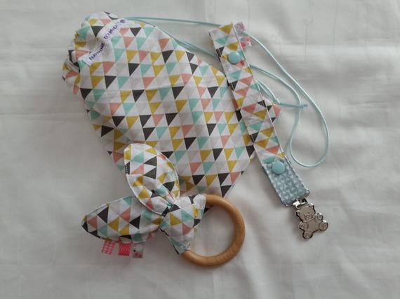 attache-tétine, anneau de dentition et petit pochon de transport motifs scandinaves baby box