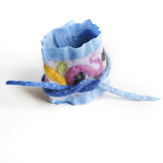 Bracelet, manchette, bleu ciel, rose, mauve, jaune, soie, laine feutrée