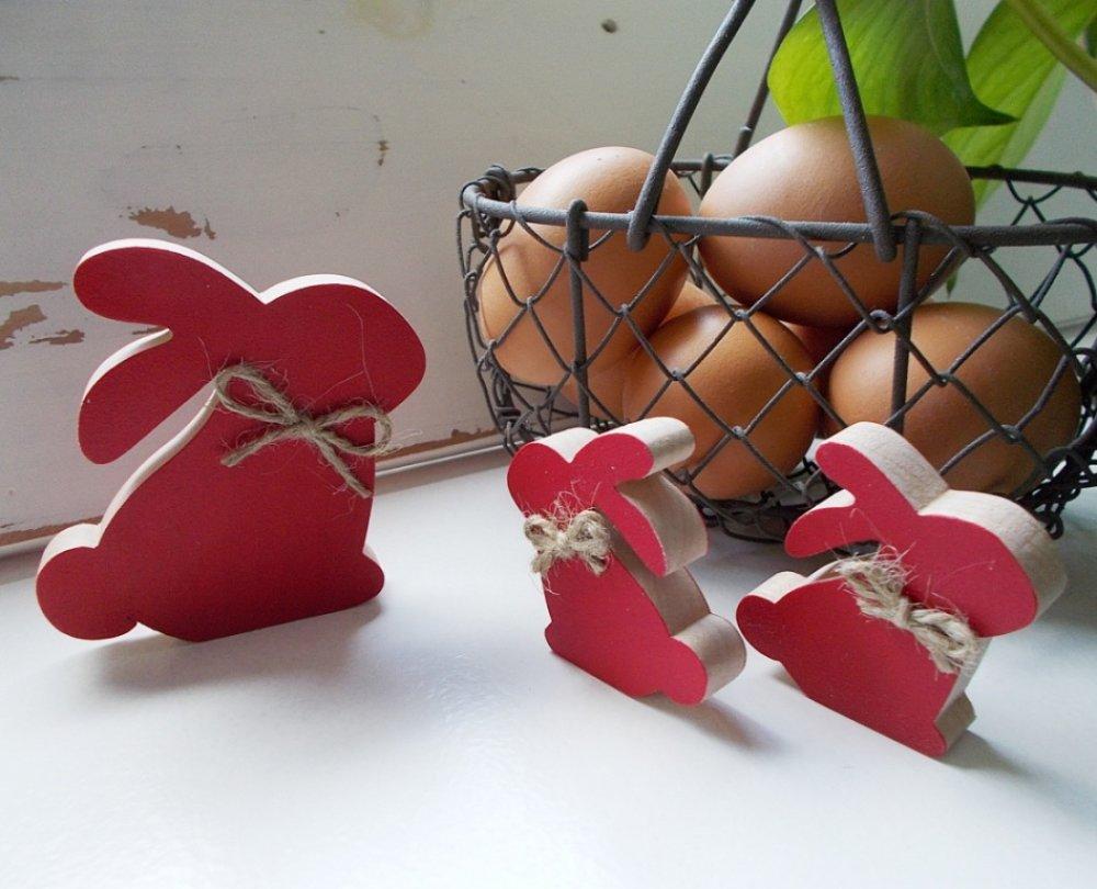 Lapins rouges et noeud de chanvre - Petits lapins rouge et nature