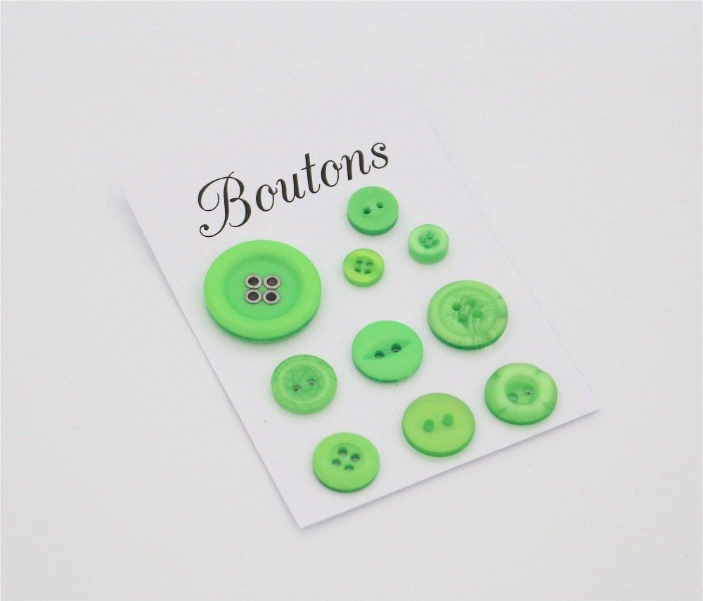 Assortiment Boutons - couleur vert fluo - présentés sur une carte